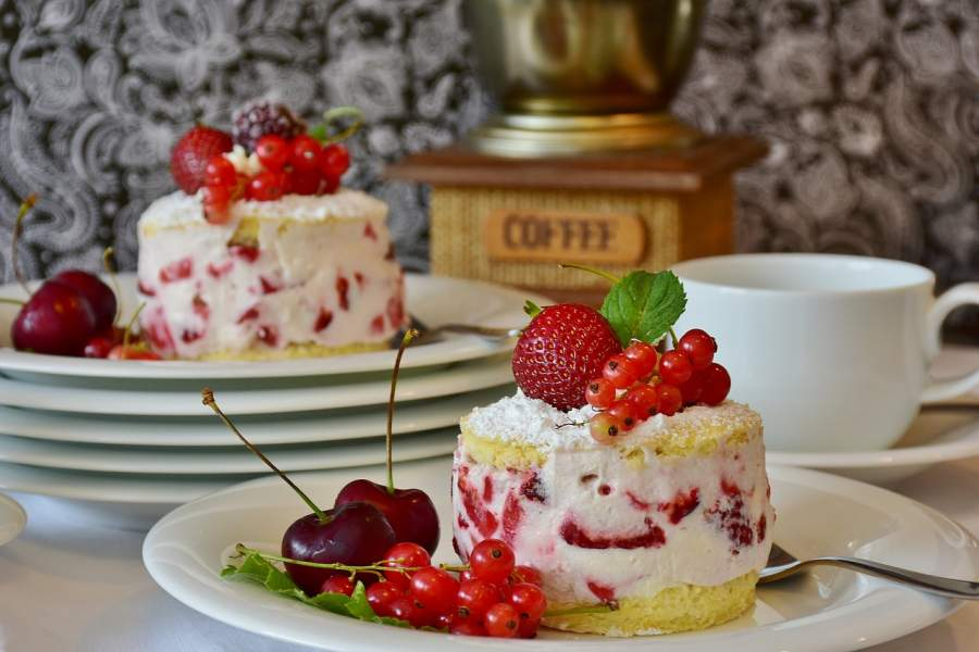 Lets Make Vanilla Cake & Strawberry Coco Cake for any Occasion