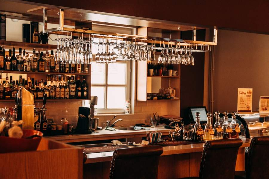 5 Tips to Start A Bar Business Successfully