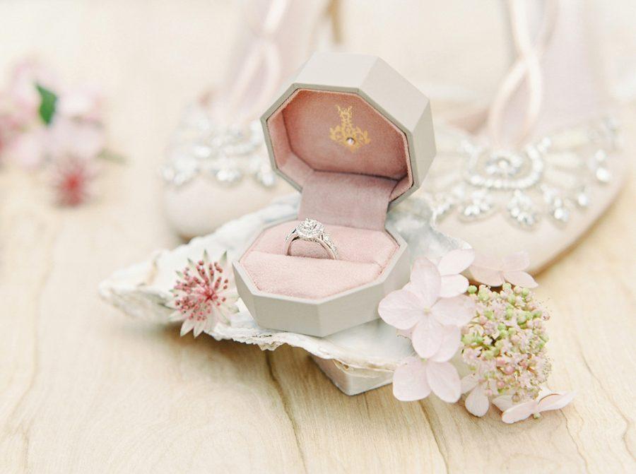 Elegant and Delightful Evening Wedding Jewelry