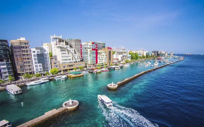 Sagarika Ghatge and Zaheer Khan: Maldives