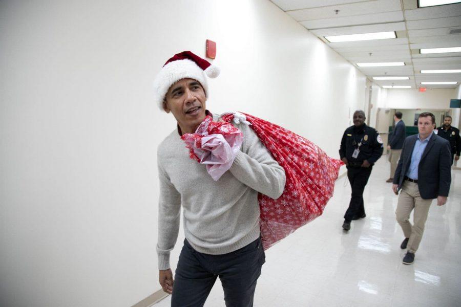Barack Obama Surprises Kids at Children's hospital As Santa