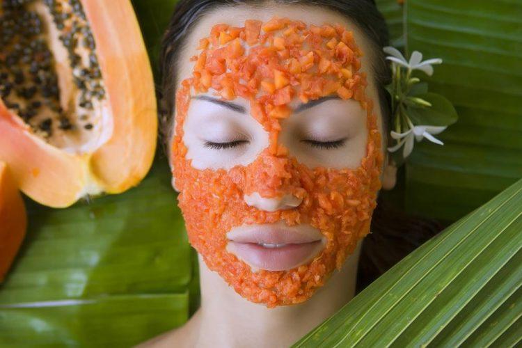 Papaya pulp face pack
