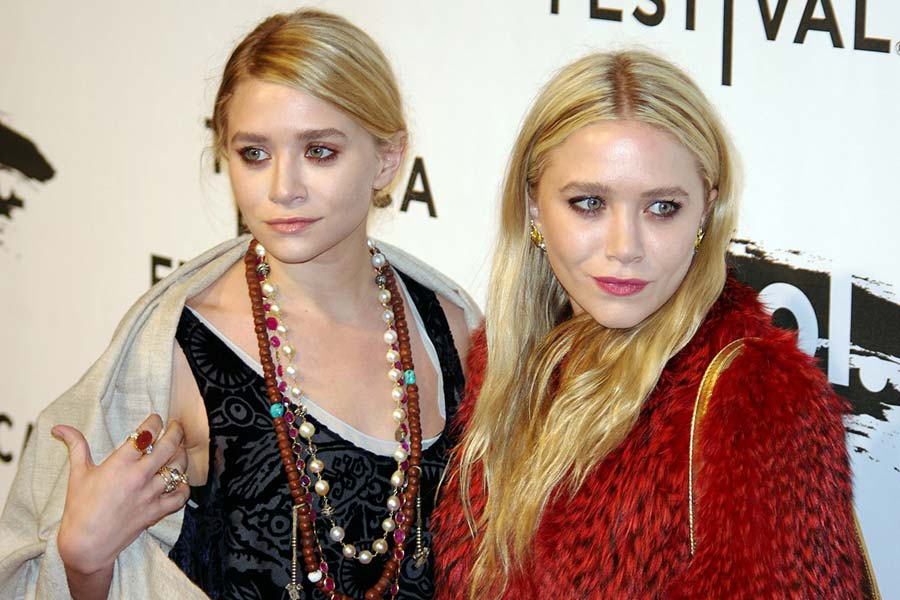 Identical twins are not completely identical