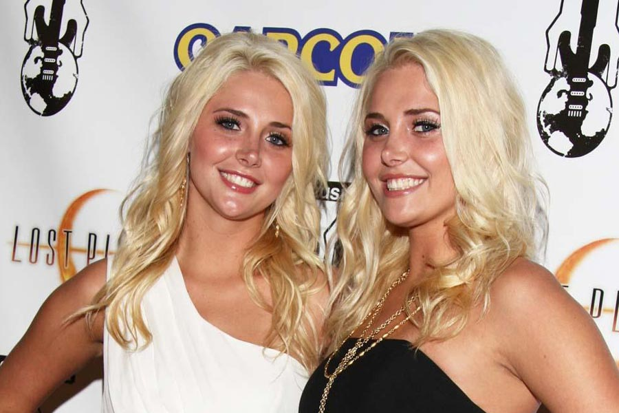 Twins help their moms to live longer