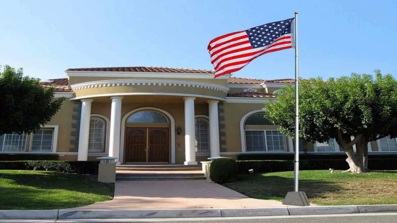 Telescoping Flagpole with Free American Flag