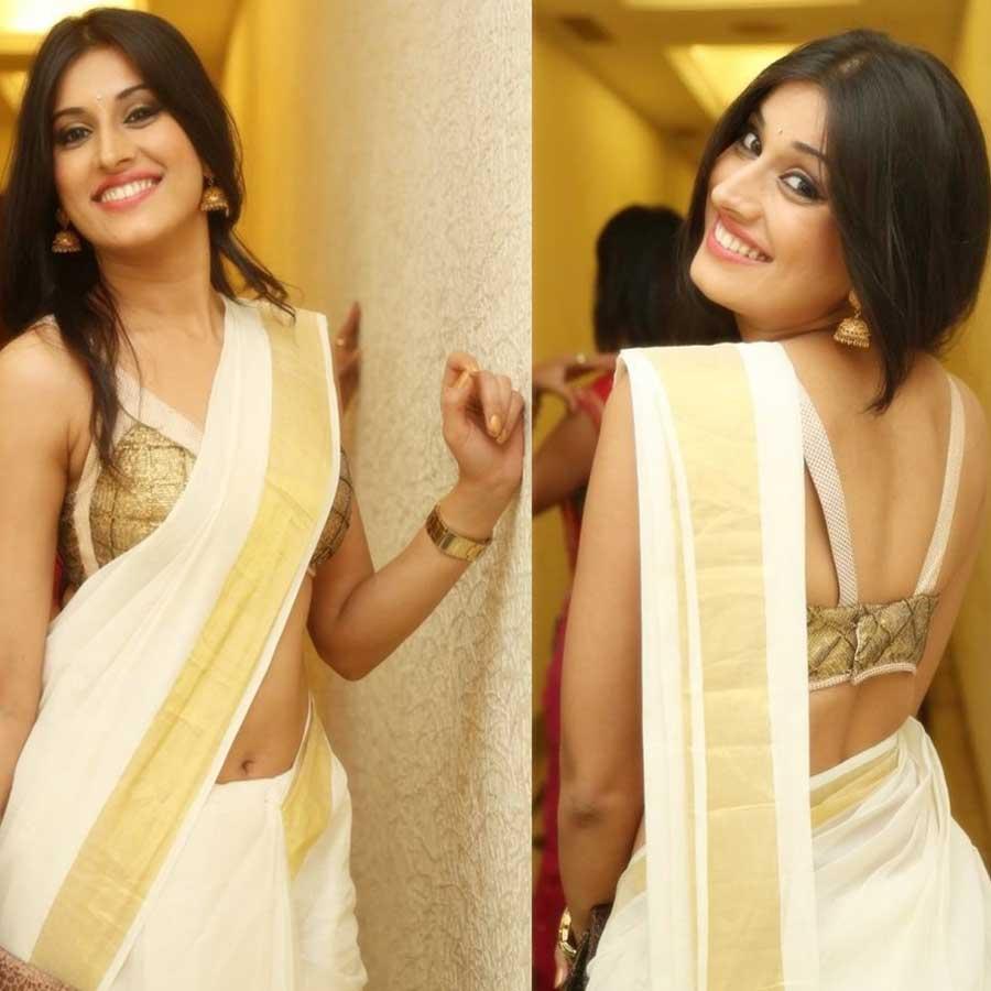 Kerala Women Prefer Wearing White and Gold Saree