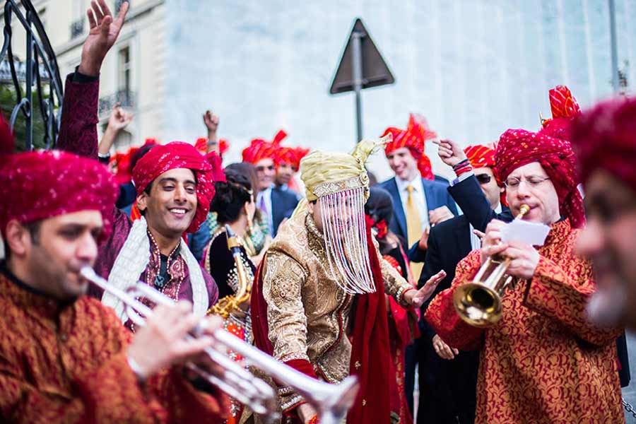 Wedding musician with a great playlist