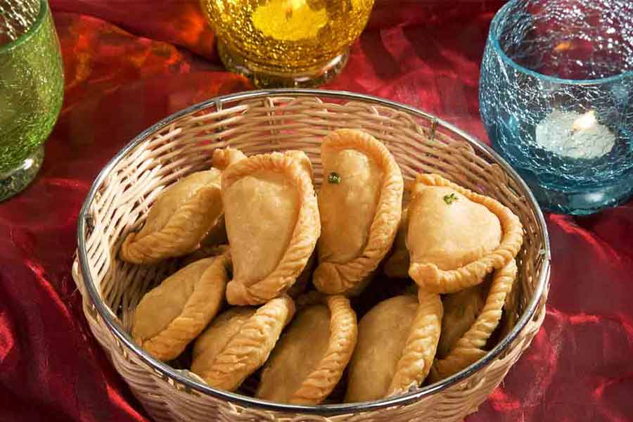 Special Types Of Gujiyas To Indulge In This Holi Season
