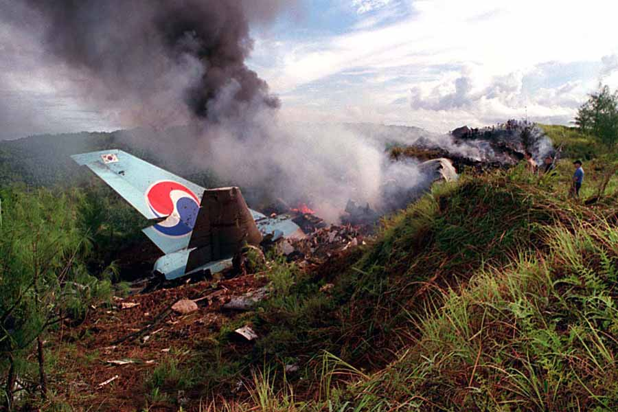 Korean Air Flight 801 crash