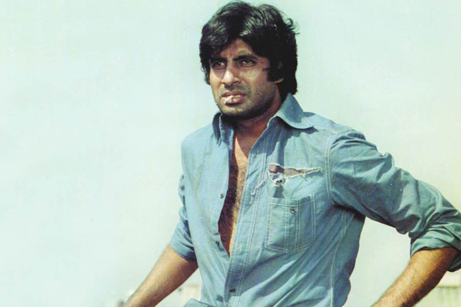 Amitabh Bachchan's role in Sholay movie