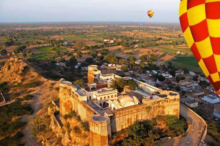 Try Hot Balloon Safari at Jamnalal Bajaj Road