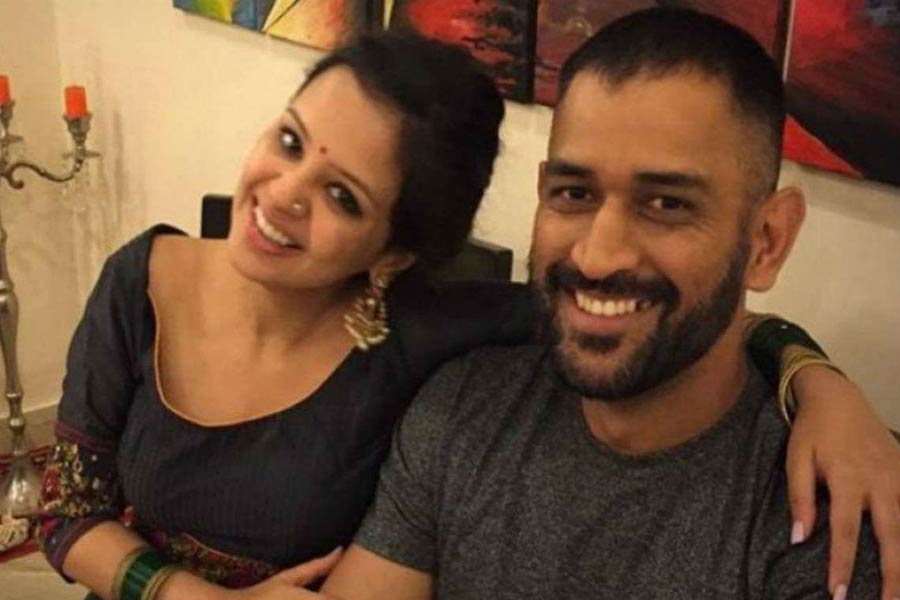 MS Dhoni and Wife Sakshi Dhoni