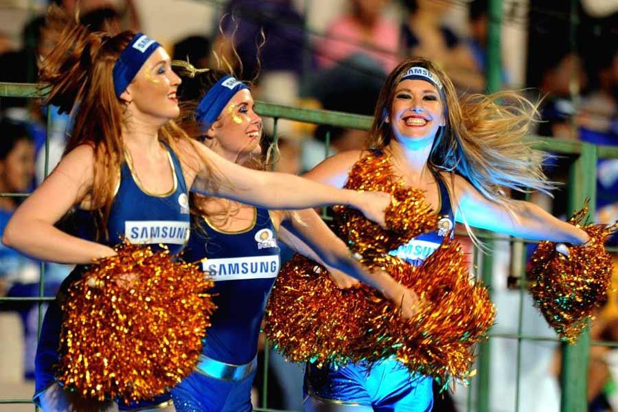 Kolkata Knight Riders cheerleaders