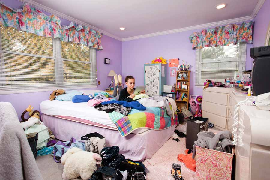 Keeping a room with all mess