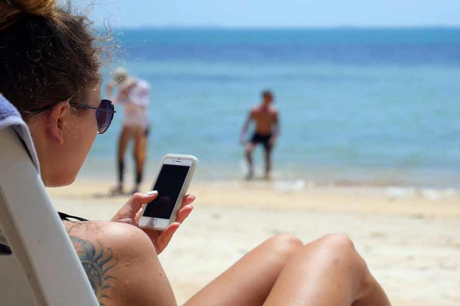 Don't keep mobile in Extreme Hot Places