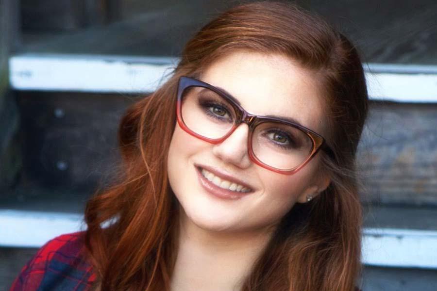 Horn rimmed-glasses