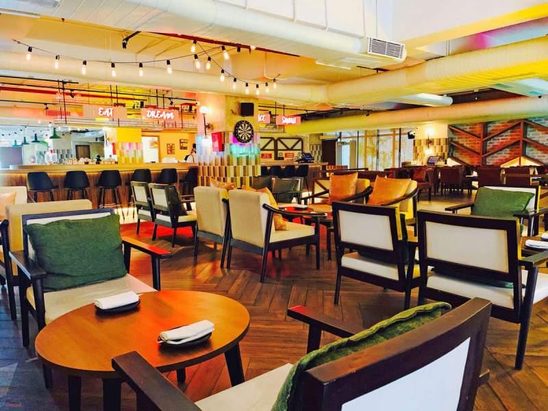 The Flying Saucer Café