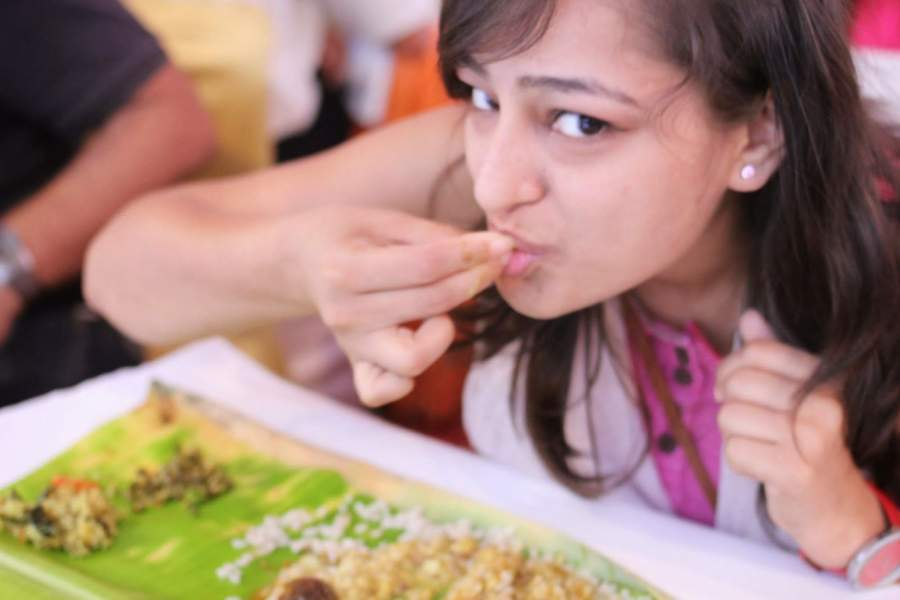 Forget Eating with Spoons as Eating with Hands is More Beneficial. Here are The 6 Reasons That will Tell You Why?
