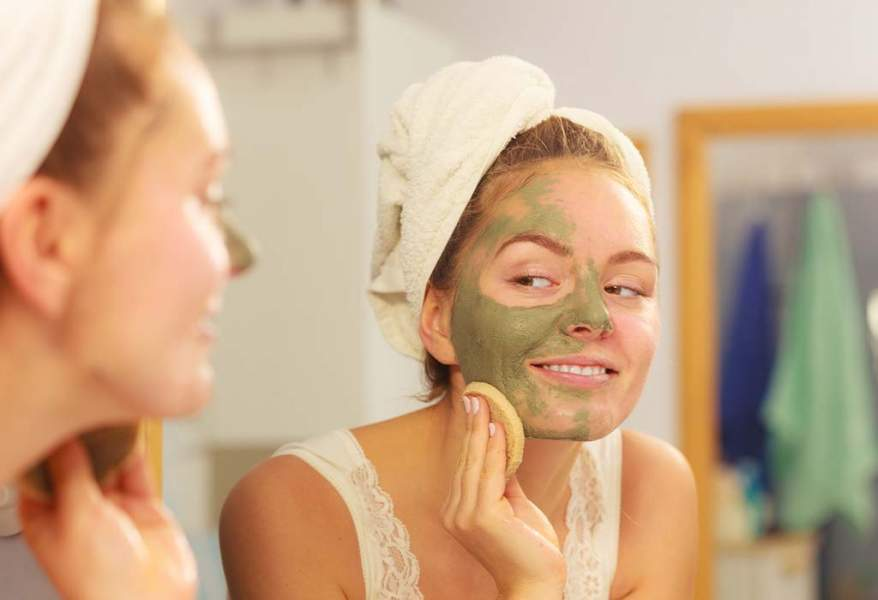 8 of The Best DIY Homemade Masks To Get That Crystal Clear Skin Overnight