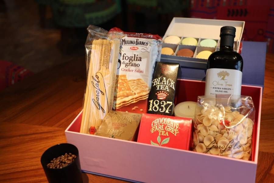 Awesome Diwali Hampers with a personal message