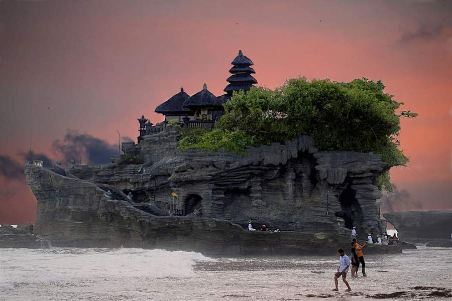 Beautiful high cliffs, temples in Bali