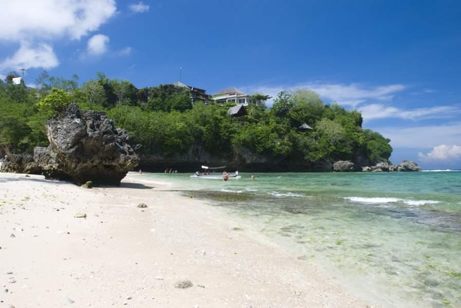 Bali: Black volcanic sand beaches