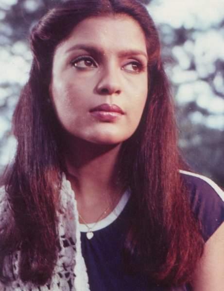 Her most popular song was 'Ye Mera Dil' and 'Phoolon ka Taaron ka'