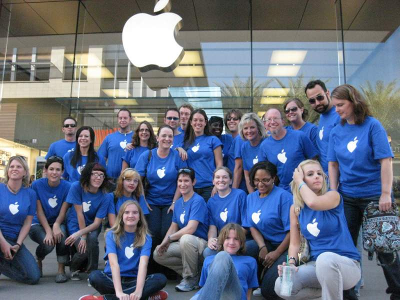 5 of The Interesting and Fun Secrets of Apple Store Employees