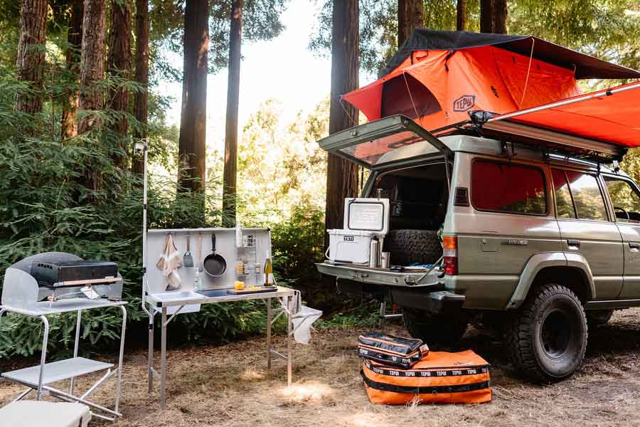3 High-Tech Gears You Should not Forget for Camping