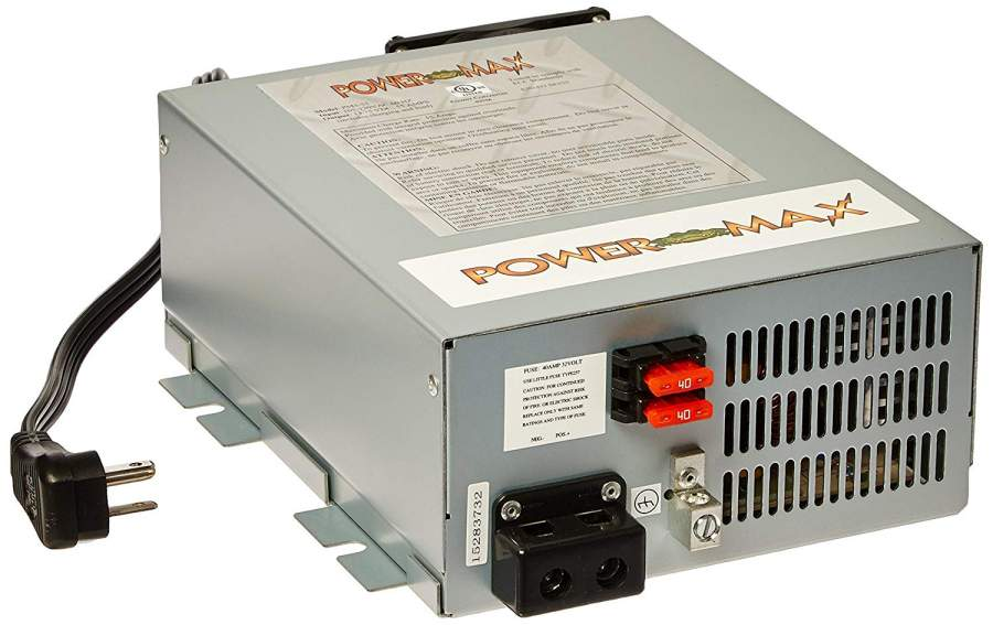 Power supply for a radio