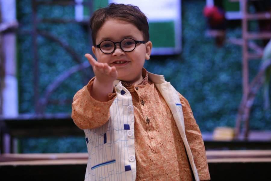Ahmad Shah, the Pakistani 'Peeche Dekho' kid