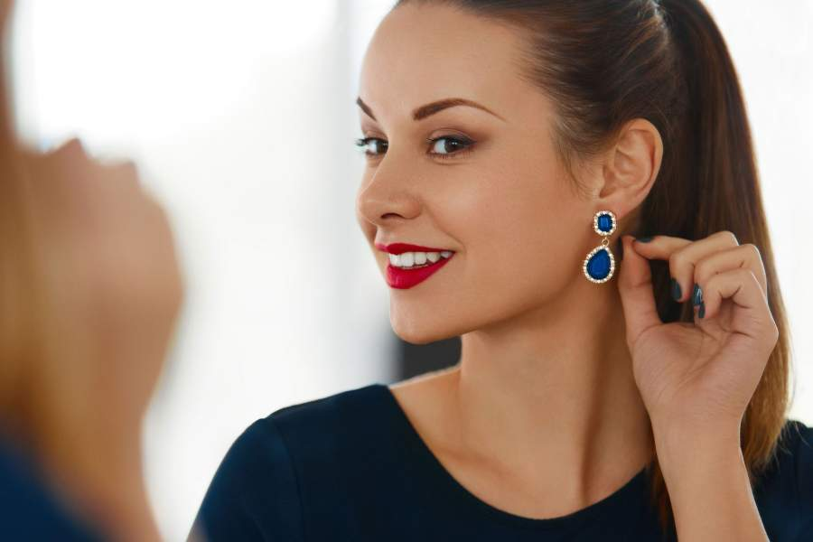 Heavy earrings could stretch your earlobes