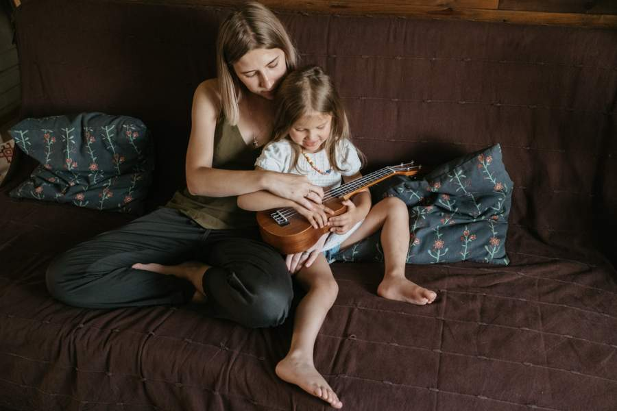 5 Important Teachings Given By A Strong Mother To Daughter