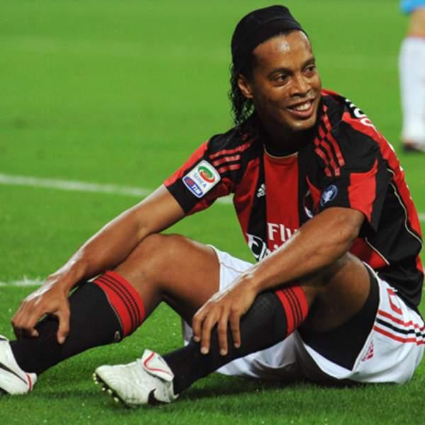 Ronaldinho Football career