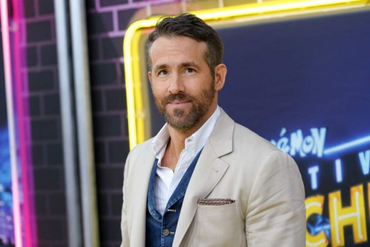 Ryan Reynolds Age, Bio, Movies, Wife, Net Worth and Everything