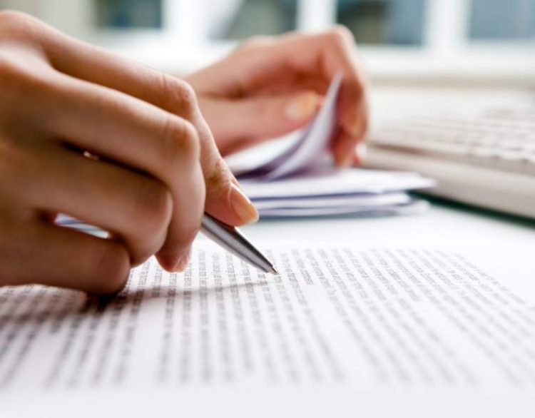 How to Write a Professional Application Essay
