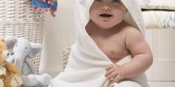 newborn baby hooded towels