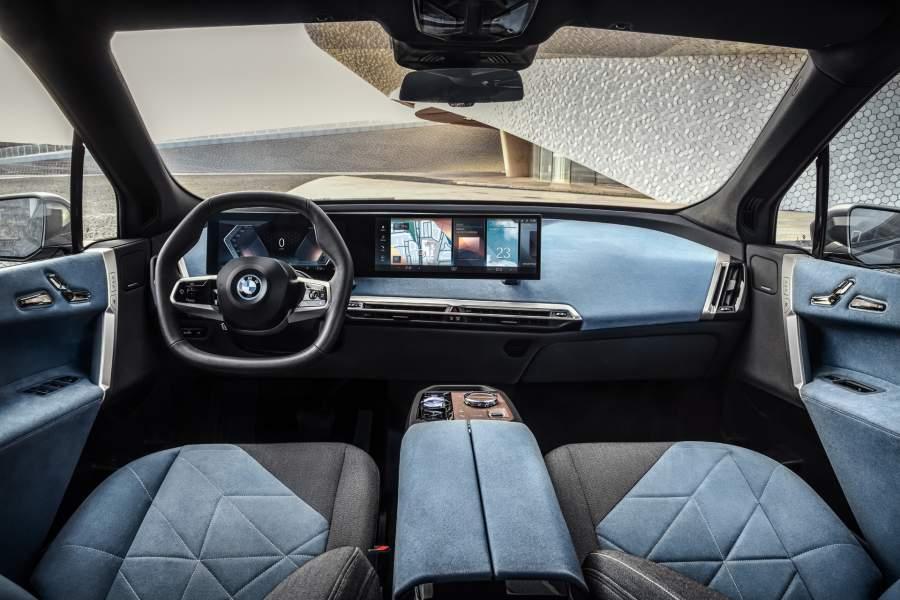 BMW Electric SUV 2020 interior