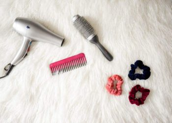 8 Tips to Stop Hair Fall Naturally