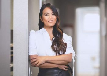 Dr Sandra Lee biography
