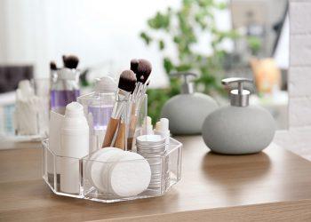 8 Cosmetic Organisers
