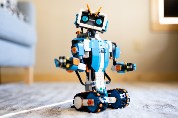 A Buildable Robot