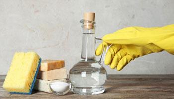Clean Microwave with vinegar