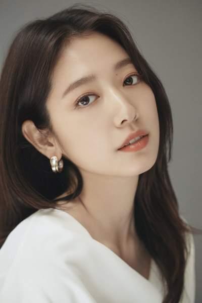 South Korean Actress-Park Shin-hye