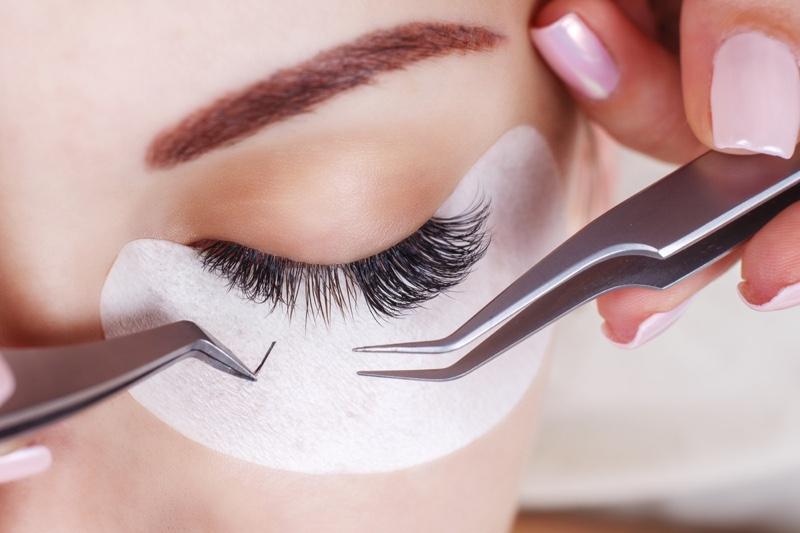What's an Eyelash Mask