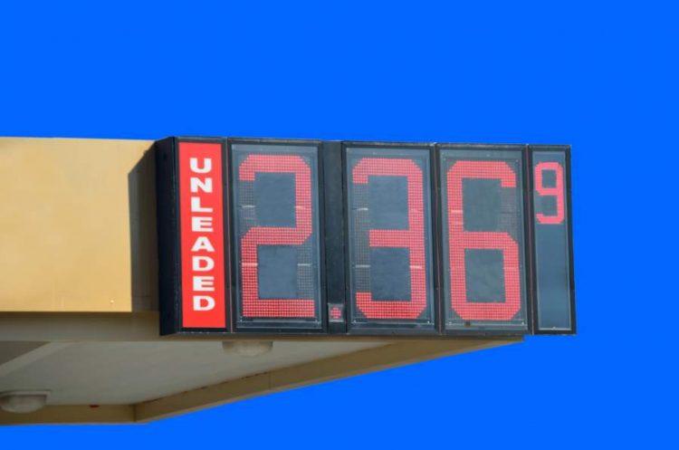 3 Hacks to Reducing Fleet Fuel Costs