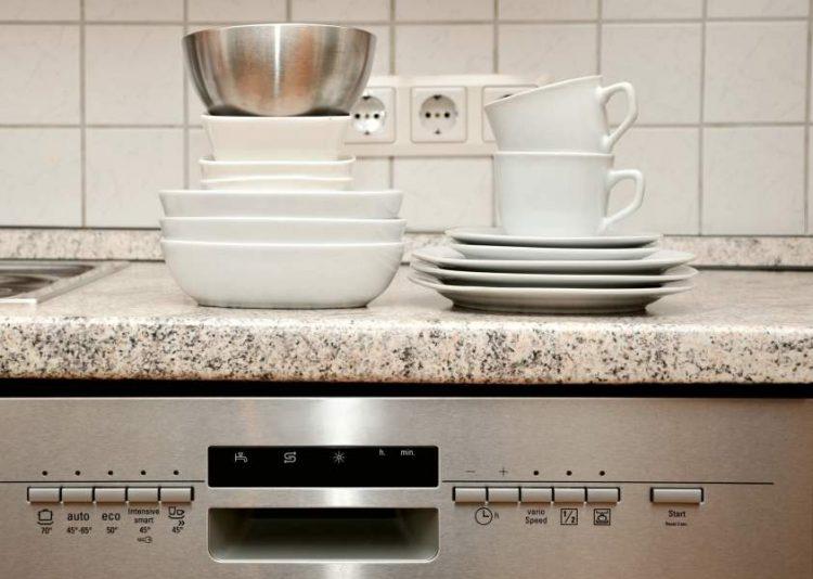 Hand Washing Dishes vs Dishwasher