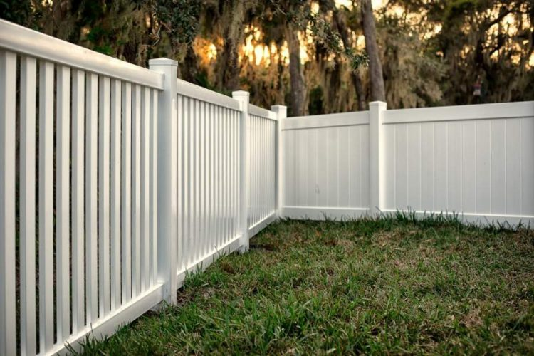 7 PVC Fence Benefits for Stylish Homeowners