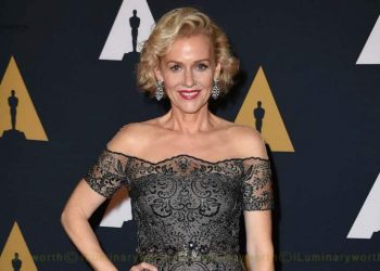 Penelope Ann Miller biography
