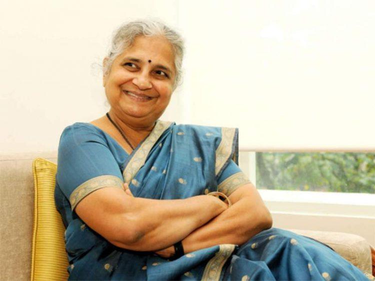 Neeru Deshpande Biography